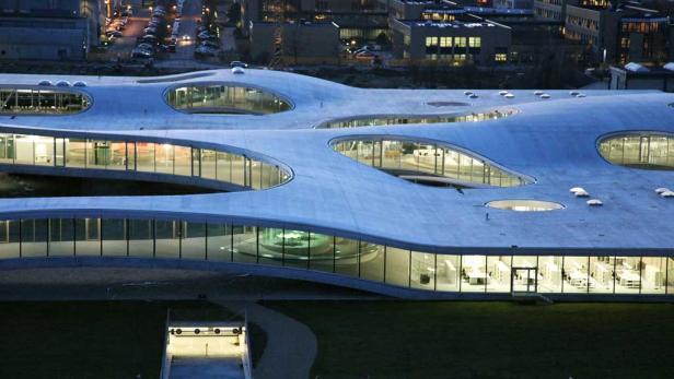 Beinahe schwerelos wirkt die von Shigeru Ban geplante Filiale des Centre Pompidou in der Provinz, in Metz.