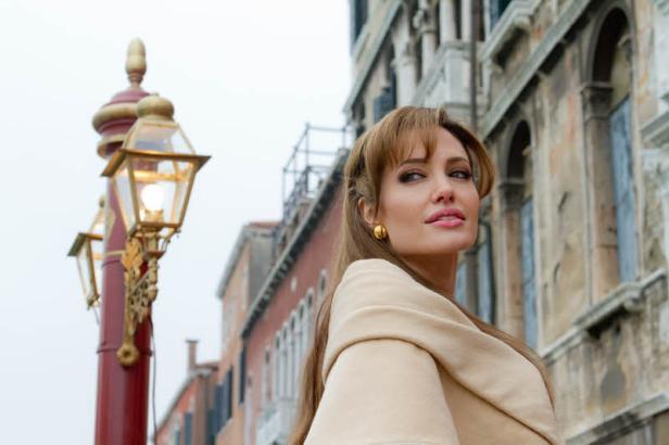 """Johnny Depp und Angelina Jolie - das Traumpaar im Film. """"The Tourist"""" ist ab 16.12. in den österreichischen Kinos zu sehen."""