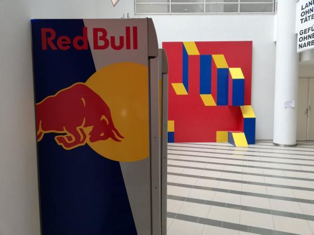 Red Bull Kühlschrank Wien : Zeitgenössische kunst: die woche der gepflegten Überforderung