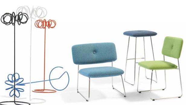 """Strohballen-Design: Ursprünglich wurden die Sitzpolster nur für ein Projekt entworfen. Dank des Erfolgs ist das Design heute Teil der Kollektion. Das erweiterbare Banksystem """"Gate"""" wurde von Firmengründer Börge Lindau gemeinsam mit Sohn Johan gestalte"""
