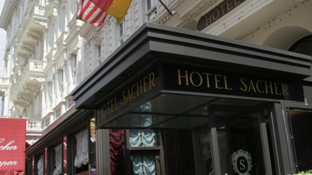 Die Zimmer und Suiten des Hotel Sacher werden bei laufendem Betrieb vergrößert und neu eingerichtet. Eine Etage wurde bereits fertigsaniert: im Bild Die Zimmer und Suiten des Hotel Sacher werden bei laufendem Betrieb vergrößert und neu eingerichtet. E