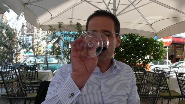 Gerald Diemt, Sommelier, trinkt nie im Dienst ...