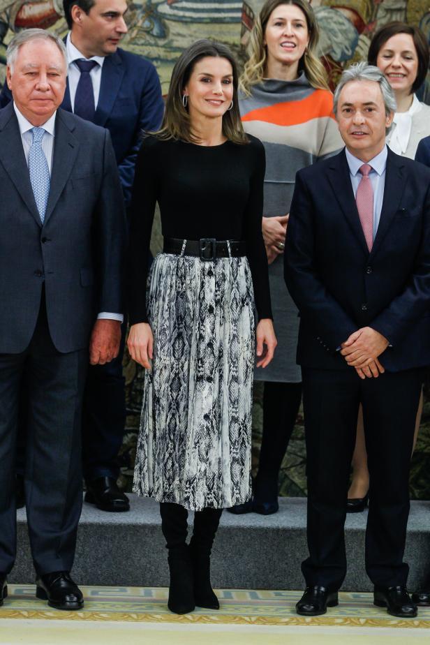 Zara Co Königin Letizia Greift Immer öfter Zu Günstig Looks