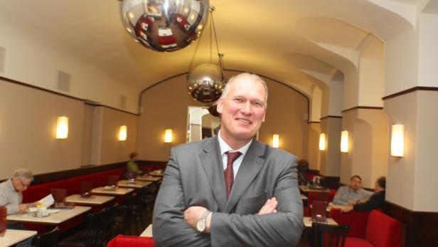 Drechsler-Chef: Manfred Stallmajer würde sein Kaffeehaus am liebsten 24 Stunden offen halten