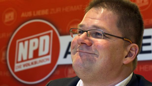 FP-Mann umarmte den NPD-Fraktionsvorsitzenden Holger Apfel