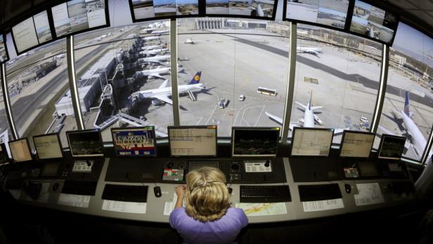 Nach dem in letzter Minute abgewendeten Fluglotsen-Streik konnten die Airlines am Dienstag ihre Flüge planmäßig abgewickeln.