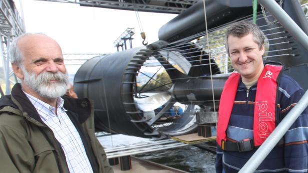 Pioniere auf der Donau: Fritz Mondl und Harald Jursitzky haben ein Hightech-Kraftwerk der Superlative entwickelt.