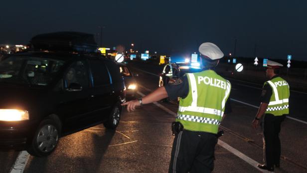 Nickelsdorf, Polizei, Kontrolle, Schlepper, Flücht
