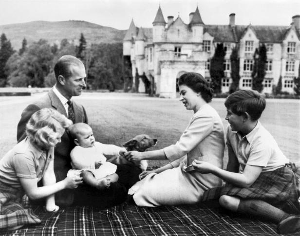 ELIZABETH II-FAMILY