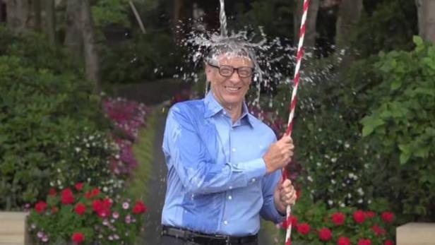 Auch Bill Gates übergoss sich mit Eiswaser
