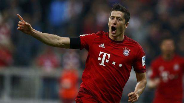 Bayern Munich's Robert Lewandowski reacts after sc