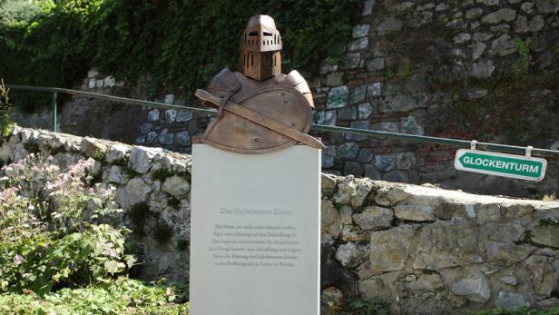 Zwei Jahre lang bleiben die Ritter in Graz, wie hier in der Griesgasse. Sie sollen Feindbilder, die etwa durch die Türkenkriege enstanden sind, eliminieren.