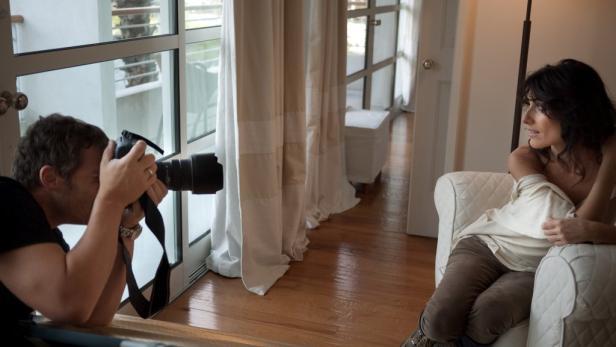 """Dr. House""-Star Lisa Edelstein besucht am Donnerstag Manfred Baumanns Fotoausstellung."