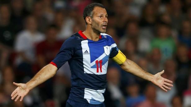 2012 führte er die britische Auswahl bei Olympia an.