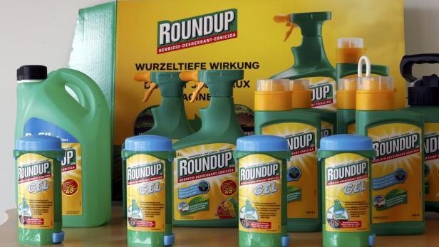 Monsanto's Roundup weedkiller atomizers are displa