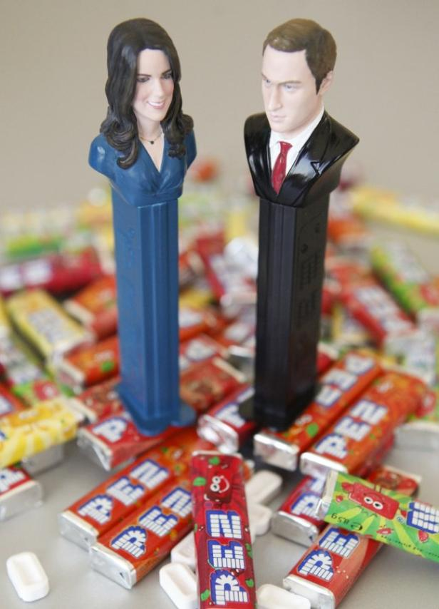 Ein Amerikaner ersteigerte Will und Kate in PEZ-Form