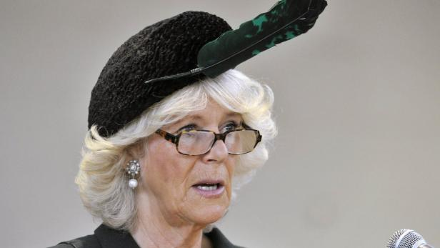 REUTERSCamilla, Duchess of Cornwall, speaks during her inaugural visit as the new Colonel-in-Chief to The Queens Own Rifles at Moss Park Armoury in Toronto May 22, 2012. The Prince of Wales and his wife are on a three-day royal tour of Canada as part of e