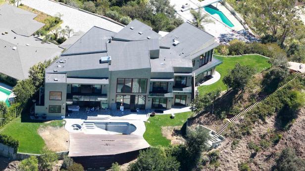 villa von gianni versace wird versteigert. Black Bedroom Furniture Sets. Home Design Ideas