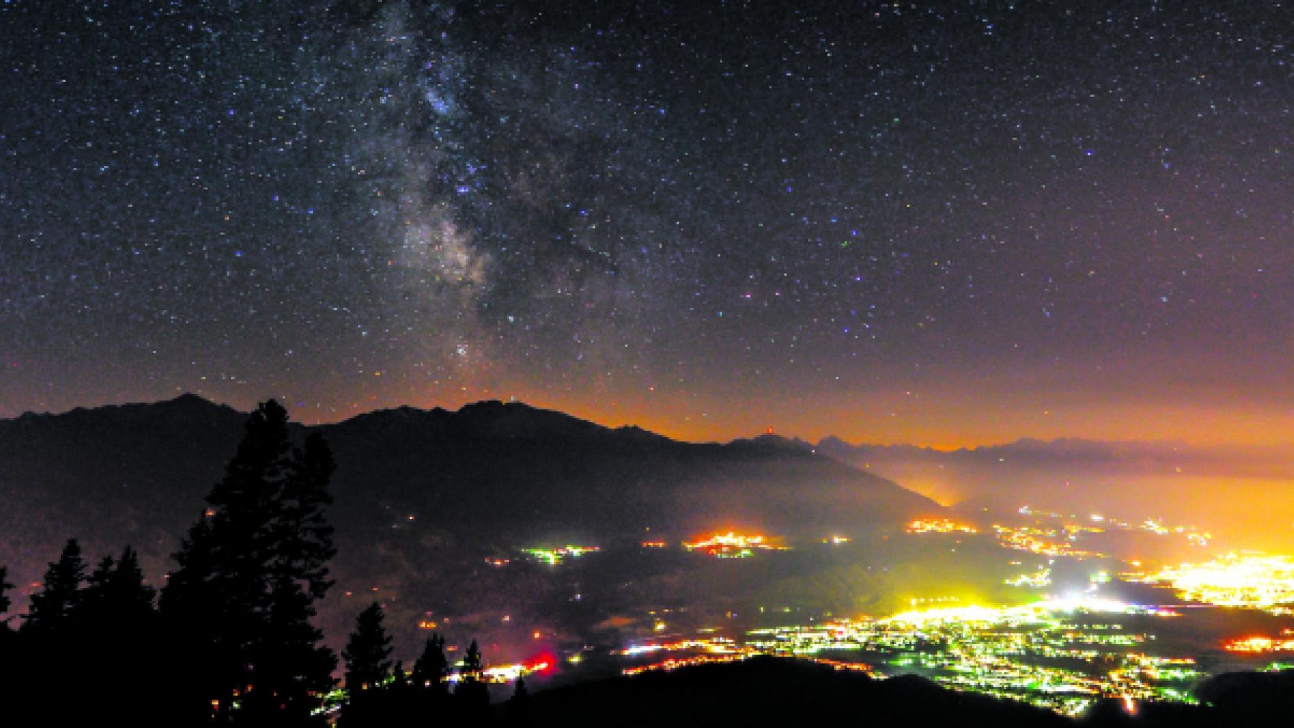 Lichtverschmutzung Karte Welt.Letzte Gucklocher Zum Sternenhimmel Kurier At