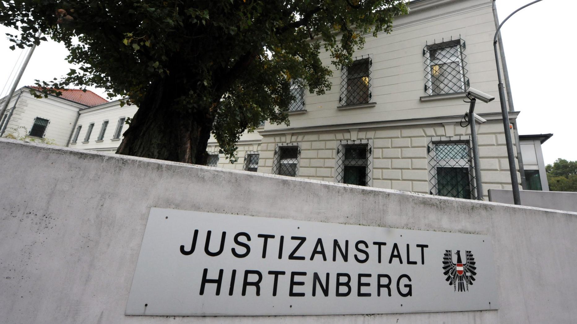 Er sucht Sie Hirtenberg | Locanto Dating Hirtenberg