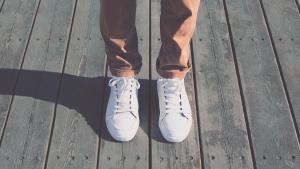 Wiesn: Adidas designt kotzfeste Schuhe zur Lederhose | kurier.at