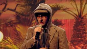 Warum trägt xavier naidoo immer sonnenbrille