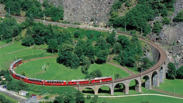 Die Rhatische Bahn Feiert Jubilaum Kurier At