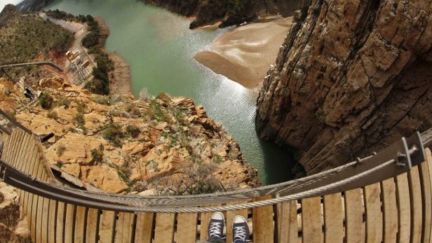 Klettersteig Caminito Del Rey : Todesweg: gefährlichster klettersteig der welt eröffnet wieder