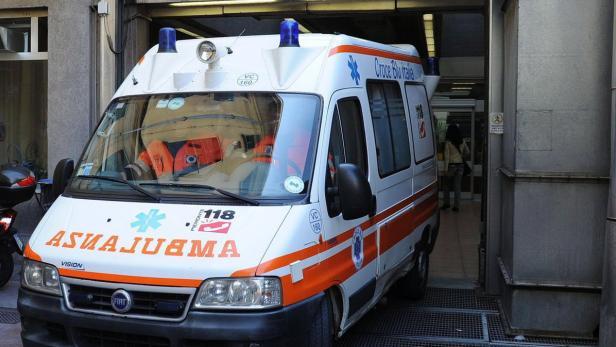 Fußboden Im Krankenhaus ~ Italien: spitalspatienten auf dem fußboden behandelt kurier.at