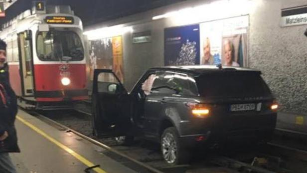 Alko Lenker Fuhr Mit Auto In Straßenbahn Tunnel Kurierat