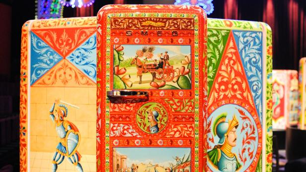 Smeg Kühlschrank Dolce Und Gabbana : Wer würde euro für diesen kühlschrank bezahlen kurier at