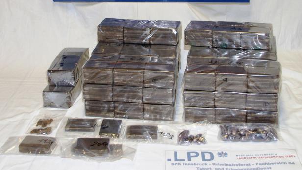Polizei Stellt In Innsbruck 65 Kilogramm Cannabis Sicher