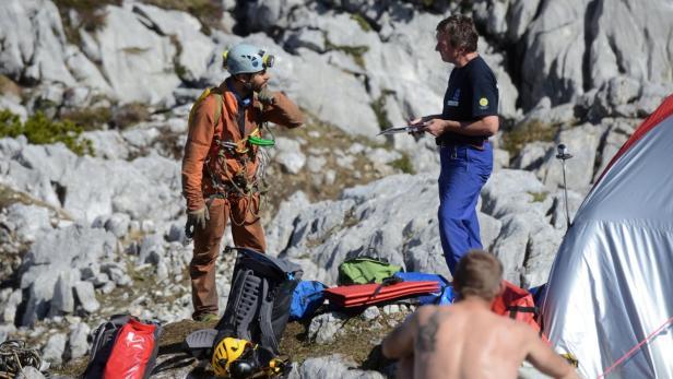 Verletzter Höhlenforscher schickte Grüße an die Familie   kurier.at