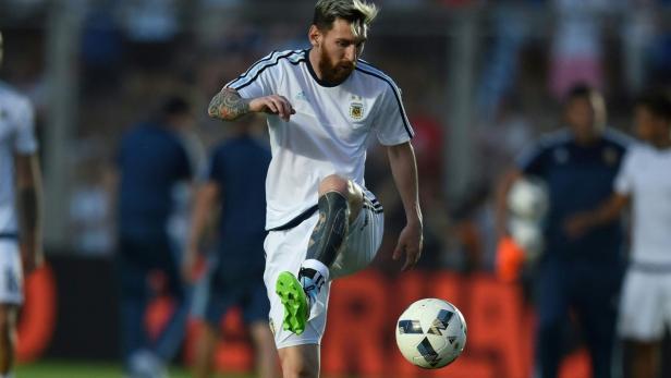 best authentic sports shoes exquisite style Lionel Messi und sein verhunztes Bein-Tattoo   kurier.at