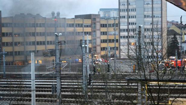 Kabelbrand Linzer Hauptbahnhof Lahmgelegt Kurierat