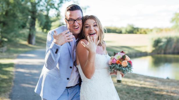 Puls 4-Moderatorin Verena Schneider hat geheiratet | kurier.at