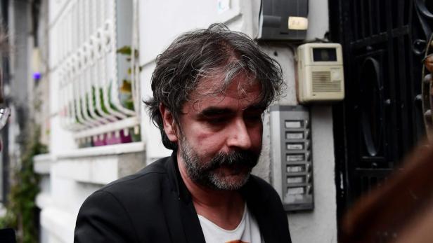 Türkei Deniz Yücel Hat Gefängnis Verlassen Kurierat