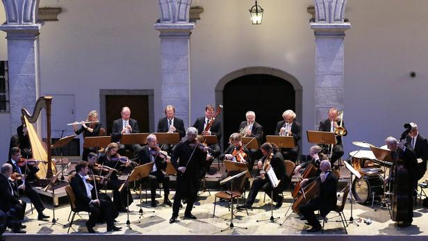 Das Linzer Johann Strauss Ensemble beim Sommerabend im Arkadenhof