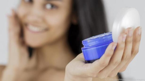 Creme mit Liposomen eignet sich besonders gut bei trockener Haut