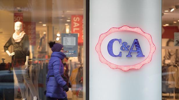 Ca Verkauft Pullover Mit Neonazi Aufschrift Kurierat