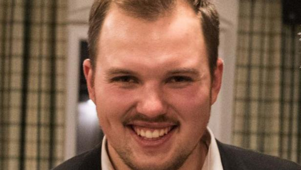 22 Jähriger Im Ersten Wahlgang Zum Bürgermeister Gewählt Kurierat