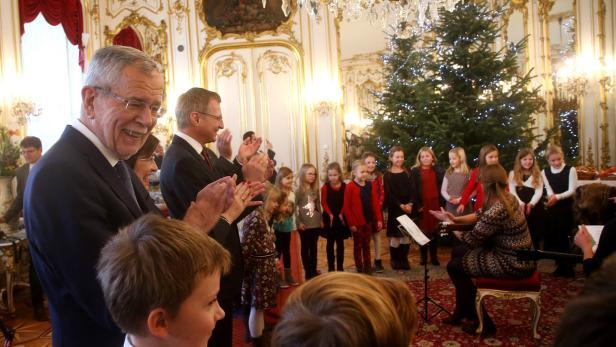 Die Stimmung bei der Christbaumübergabe in der Hofburg war gut