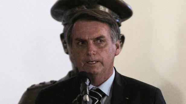 BRAZIL-BOLSONARO-CABINET-DEFENSE