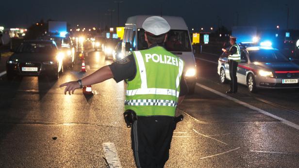 Nickelsdorf, Polizei, Kontrolle, Schlepper, Flüchtlinge