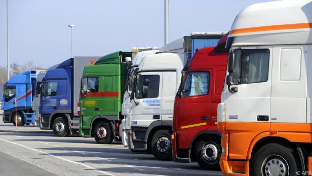 CO2-Ausstoß neuer Lkw muss bis 2030 gesenkt werden