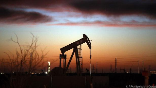 Die Wirtschaftspolitik korreliert mit der Nachfrage nach Erdöl