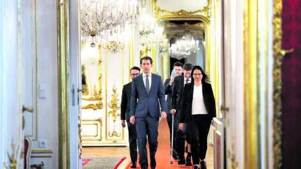Head of Austria's Peoples Party and former Chancellor Sebastian Kurz arrives to meet with President Alexander Van der Bellen in Vienna