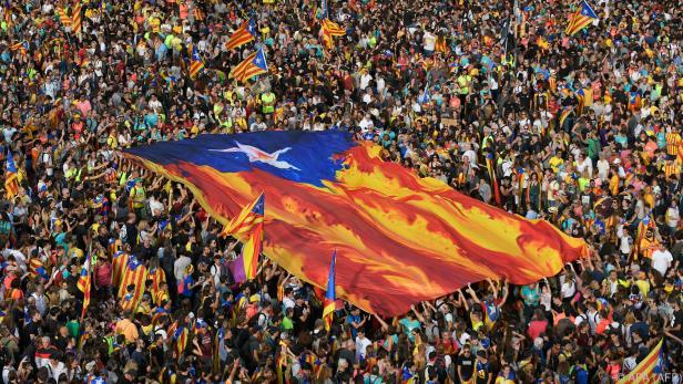 Straßen voller Demonstranten in Barcelona