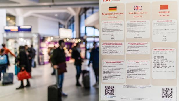 Warning and behavior instructions at Berlin-Tegel airport