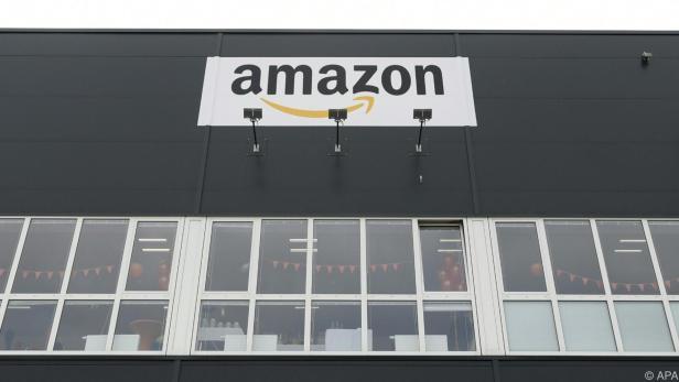 Die Finanzpolizei hat einen Amazon-Lieferanten kontrolliert